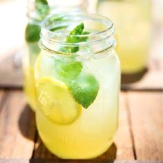 Sugarfree fresh ginger + mint lemonade
