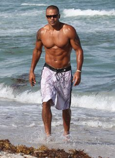 Shemar on vacation.  Yes indeedy.