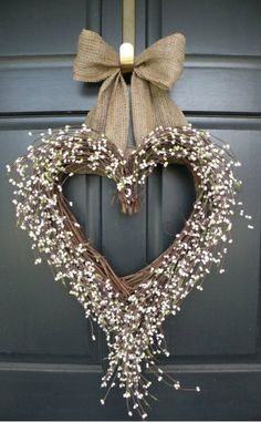 WREATHS FOR WINTER HEART WREATH MW
