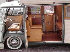 30 Creative Vw Bus Interior Design Ideas – Home Decor Ideas Volkswagen Transporter, Beetles Volkswagen, Vw T1 Camper, Vw Caravan, T3 Vw, T1 Bus, Mini Camper, Campers, Volkswagen Golf