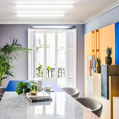"@yatzer on Instagram: ""Today on Yatzer.com > #Memphis Revival: Masquespacio's Renovated Design Studio in #Valencia, #Spain > #Yatzerized @masquespacio_ana https://www.yatzer.com/masquespacio-design-studio-valencia-spain #interiordesign #interiors #masquespacio"""