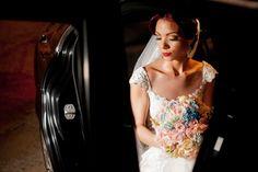 #bride #noiva #noivaruiva #brideoftheday #noivinhadeevase Acesse e confira http://noivadeevase.com/filme-de-casamento-e-primeira-danca-claudia-e-gustavo/