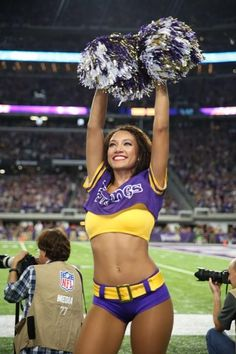 View images of Minnesota Vikings Cheerleader Jordan. Vikings Cheerleaders, Hottest Nfl Cheerleaders, Football Cheerleaders, Football Girls, Nfl Football, Equipo Minnesota Vikings, Minnesota Vikings Football, Dallas Cowboys, Cheerleader Images