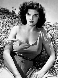 """Jane Russell - Photography by George Hurrell - """"The Outlaw"""" - Howard Hughes et Howard Hawks Hollywood Icons, Golden Age Of Hollywood, Vintage Hollywood, Hollywood Stars, Hollywood Actresses, Classic Hollywood, Actors & Actresses, Hollywood Glamour, George Hurrell"""