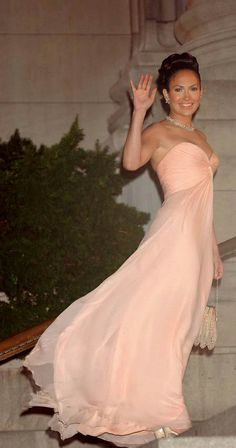 Jennifer Lopez in rose pink evening gown