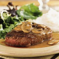 Filet mignon with mushrooms (Steak Diane)