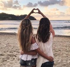 Asi picture ideas, best friends, best friend goals, bff pictures, i Bff Images, Photos Bff, Best Friend Pictures, Beach Photos, Bff Pics, Sister Pics, Sister Beach Pictures, Bff Pictures, Friendship Pictures