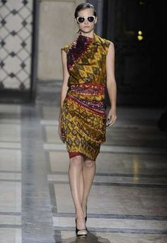 Ready-To-Wear Surrealism: The Dries Van Noten Spring 2010 Makes Use of Picasso