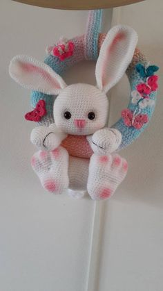 Crochet Parrot, Crochet Eyes, Easter Crochet, Crochet Home, Crochet Bunny Pattern, Yarn Crafts, Diy And Crafts, Crochet Wreath, Rabbits