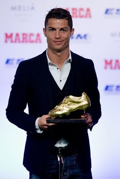 Foto Cristiano Ronaldo, Cristino Ronaldo, Cristiano Ronaldo Wallpapers, Soccer Guys, Good Soccer Players, Ronaldo Hd Images, Cr7 Vs Messi, Neymar Jr, Mens Suits