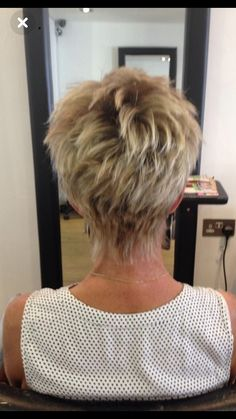Hair Beauty - Best Short Hairstyles for Women over 40 - hairstyles short women - HairstyleCuteKorean Shaggy Short Hair, Short Thin Hair, Short Hair With Layers, Short Hair Cuts For Women, Short Cuts, Over 40 Hairstyles, Thin Hair Haircuts, Cute Hairstyles For Short Hair, Curly Hair Styles