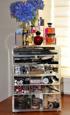 eDiva.com clear beauty organizers