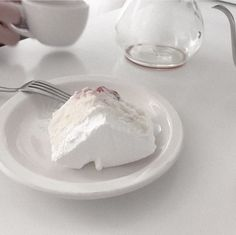 ╭╯ white ⤵︎ aesthetic ✃ ˚ ༘ food 〰︎
