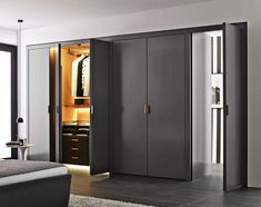 Armoire Backstage -B&B Italia - Design de Antonio Citterio Wardrobe Doors, Wardrobe Closet, Closet Doors, B & B, Wooden Almirah, Walk In Closet Inspiration, Dressing Design, Wardrobe Systems, Built In Cupboards
