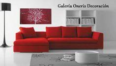 ¿Qué cuadro es el indicado para mi sala en color rojo? Una pieza minimalista y moderna que va muy acorde a todo el espacio que visualizamos en la imagen, asegurense de no sobre cargar los detalles rojos y quedara perfecto. https://www.kichink.com/stores/galeriaonerisdecoracion