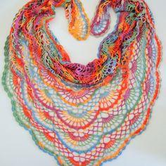 Duhový letní šátek – Háčkování hraček & návody Poncho Crochet, Crochet Shawls And Wraps, Freeform Crochet, Knitted Shawls, Crochet Scarves, Crochet Clothes, Pattern Library, Yarn Crafts, Crochet Necklace