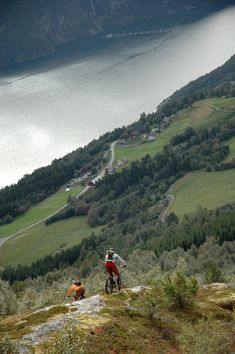 Photo by Btmelhus - Cycling in Mefjellet, Norway.