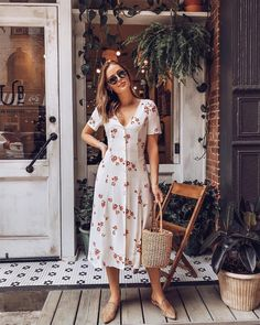 Another day another midi dress (dress linked in my bio!) The post Another day another midi dress (dress linked in my bio!) appeared first on Best Dress. Trendy Summer Outfits, Spring Fashion Outfits, Modest Fashion, Fashion Dresses, Summer Dresses, Women's Fashion, Fashion Women, Outfits For School Summer, Fashion Brands