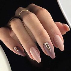 False nails have the advantage of offering a manicure worthy of the most advanced backstage and to hold longer than a simple nail polish. The problem is how to remove them without damaging your nails. Gorgeous Nails, Pretty Nails, Fun Nails, Cuffin Nails, Toenails, Perfect Nails, Diva Nails, Amazing Nails, Beautiful Lips