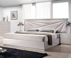 60 Modern Platform Bed Design You Would Love Bed Headboard Design, Bedroom Bed Design, Bedroom Furniture Design, Headboards For Beds, Bed Furniture, Bedroom Sets, Bedroom Decor, Master Bedroom, Bedding Sets