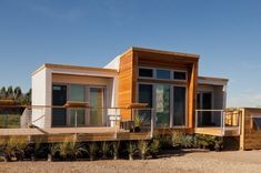 915-sq-ft-small-house.. could be better with a few design modifications.
