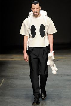 See all the Collection photos from Man Autumn/Winter 2014 Menswear now on British Vogue Fashion Moda, I Love Fashion, Fashion Show, Mens Fashion, Fashion Design, Vogue Paris, Bobby Abley, Calvin Klein, Conceptual Fashion