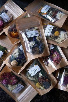 Tea Packaging, Food Packaging Design, Craft Font, Herbal Magic, Diy Birthday, Creative Gifts, Dried Flowers, Christmas Diy, Herbalism