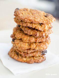 Oatmeal, Carrot and Raisin Cookies | Little Grazers