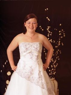 full figured wedding dresses