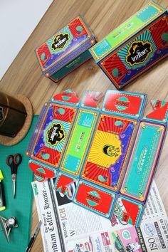 Retro Food Box- Indian Lorry Painting on Behance Food Box Packaging, Vintage Packaging, Food Packaging Design, Cute Packaging, Packaging Design Inspiration, Branding Design, Food Graphic Design, Web Design, Logo Design Trends