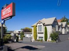 Dunedin Garden Motel New Zealand, Pacific Ocean and Australia Located in North Dunedin, Garden Motel is a perfect starting point from which to explore Dunedin. Offering a variety of facilities and services, the hotel provides all you need for a good night's sleep. Take advantage of the hotel's facilities for disabled guests, Wi-Fi in public areas, car park, family room, tours. Each guestroom is elegantly furnished and equipped with handy amenities. Recuperate from a full day o...