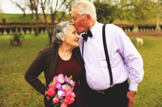 Berries and Love - Blog de casamento por Marcella Lisa Cute Old Couples, Life Is Beautiful, Beautiful People, Growing Old Together, This Is Love, Full House, Forever Love, Lisa, Future Husband