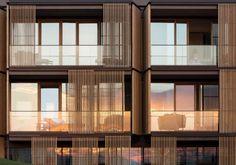 Particolare della facciata (foto di Ingenhoven Architects)