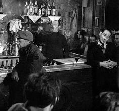 Robert Doisneau - Au bistrot, Paris, 1950.