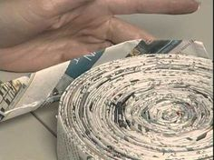 Amazing Art Show Making Pots with Newspaper - upcycle - Newspaper Basket, Newspaper Crafts, Newspaper Wall, Diy Paper, Paper Art, Recycled Magazines, Paper Bowls, Magazine Crafts, Paper Weaving