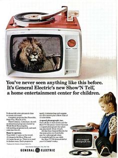 Show'n Tell Combinazione giradischi e visualizzatore di pellicola General Electric Funzione giradischi 16, 33 ⅓, 45, e 78 Altoparlante integrato Prodotto dal 1950 al 1970