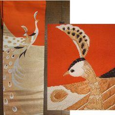 即決!アンティーク 柿色に金と白で2羽の孔雀柄 古い名古屋帯_画像1