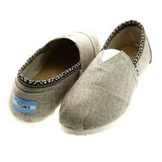 good to know / TOMS shoes outlet! More than half off!On Sale! / My kids love Toms. but theyre way too much for my budget. Cheap Toms Shoes, Toms Shoes Outlet, Shoe Outlet, Coach Outlet, Prom Accessories, Baby Girl Accessories, Cinderella Slipper, Dream Shoes, Womens Toms