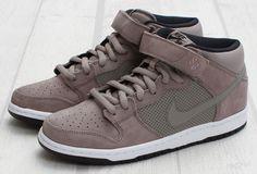 Nike SB Dunk Mid Sports Grey