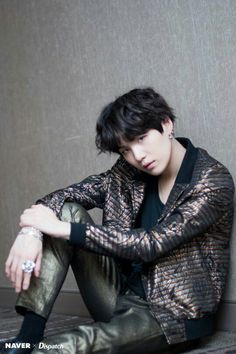Image discovered by 尼科. Find images and videos about kpop, bts and jungkook on We Heart It - the app to get lost in what you love. Suga Suga, Min Yoongi Bts, Bts Bangtan Boy, Namjoon, Taehyung, Daegu, K Pop, Agust D, Pop Bands