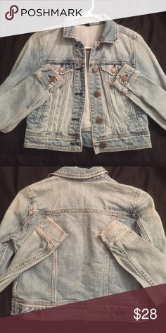 Jean jacket Super cute jean jacket! Great condition. American Eagle Outfitters Jackets & Coats Jean Jackets