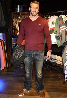 Big guy style tips rugby players Chris Robshaw Big Men Fashion, Fashion News, Chris Robshaw, Business Outfits, Business Clothes, Australian Football, Beefy Men, Country Men, Rugby Players