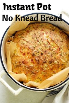 Instant Pot No Knead Bread flavoured with cheese, rosemary and olive oil is the easiest bakery style artisan bread made in the dutch oven. Knead Bread Recipe, No Knead Bread, Sourdough Bread, Instapot Bread, Best Keto Bread, Quick Bread, Pain Artisanal, Dutch Oven Bread, Pots