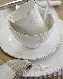 White bee dishware...   so pretty!