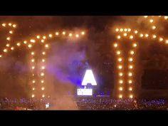 UNTOLD este cu adevarat un eveniment spectaculos, nu numai persoanele ce participa la festival sunt unice prin personalitate, imbracaminte, miscari, unica este si productia scenica. De fapt este un show imens cu efecte de lumini magice de stroboscop si lasere, artificii, jerbe de flacari, decoratiuni. Armin Van Buuren, Concert, Concerts