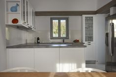 4 + 1 Bedroom Villa in Plaka area in Naxos! Proud member of Naxos Premium Breeze, Swimming Pools, Aqua, Villa, Kitchen Cabinets, Luxury, Bedroom, Home Decor, Restaining Kitchen Cabinets
