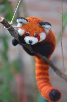 Needle Felted Red Panda Fire Fox by NeedleFeltedLove on Etsy Felt Animals, Needle Felted Animals, Felt Fox, Wool Felt, Felted Wool, Needle Felting Tutorials, Amigurumi, Panda Rojo, Fox Crafts
