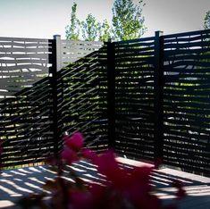 Hideaway Screens Système d'écran d'intimité branch hideaway et Commentaires | Wayfair.ca Privacy Fence Designs, Privacy Fences, Fencing, Backyard Drainage, Leonard Street, Privacy Screen Outdoor, Wooden Posts, Deck Railings, Outdoor Kitchen Design
