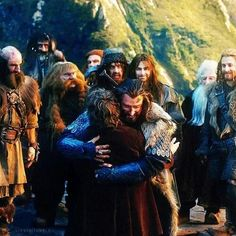 Kili's face --> GLOIN WANTS SOME ATTENTION TOO lol he's just like Gimli