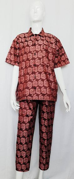 Vintage 80's does 50's KLEID Plum Paisley BROCADE Boxy PYJAMA Suit Ensemble Pjs, Pajamas, Pajama Suit, Kitten Heel Pumps, Brocade Fabric, Cropped Trousers, Collar Shirts, Paisley, Ruffle Blouse